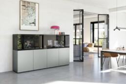 Hemelaer-Interior-Kettnaker Esszimmer SOMA Highboard Sideboard Vitrine SOMA TISCH Tisch Esstisch